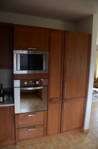 kuchyne s drevenymi dvirky